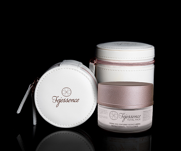 Crema viso Total Face e packaging